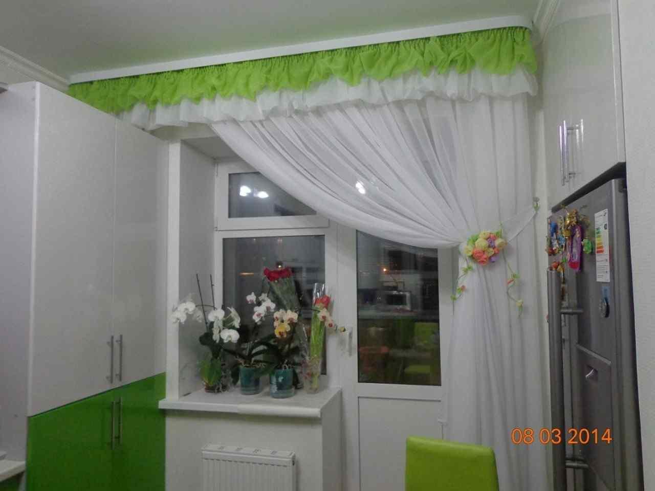 Шторы для кухни. in на кухню с балконом фото 79 круто домашн.